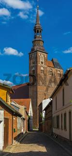 Kirchturm der Sankt Stephanskirche in Tangermuende