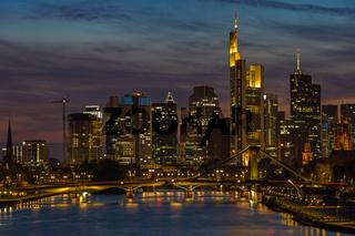 Frankfurt am Main, Bankenviertel, bei Sonnenuntergang