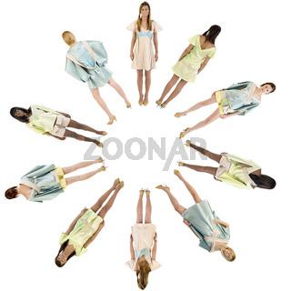 Models im Kreis