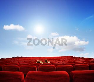 Eine private Vorführung in einem großen Kino