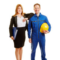 Business Team aus Arbeiter und Geschäftsfrau