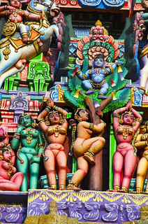 Colorful idols on the Gopuram, Sarangapani Temple, Kumbakonam, Tamil Nadu, India.