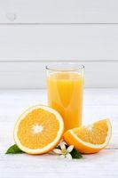 Orangensaft Orangen Saft Orange Fruchtsaft Hochformat Textfreiraum Frucht Früchte
