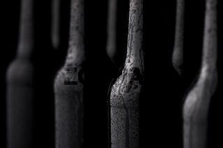 Gekühlte Glasflaschen mit Kondenswasser