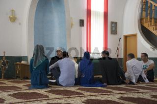 Hochzeitszeremonie in einer Moschee, Bosnien