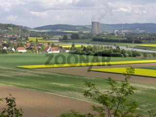 KKW-Grohnde eingebettet in der Landschaft der Gemeinde Emmerthal