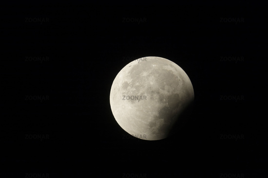 decrescent full moon... Lunar Eclipse *28th September 2015*
