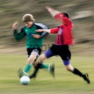 Fussball-Zweikampf