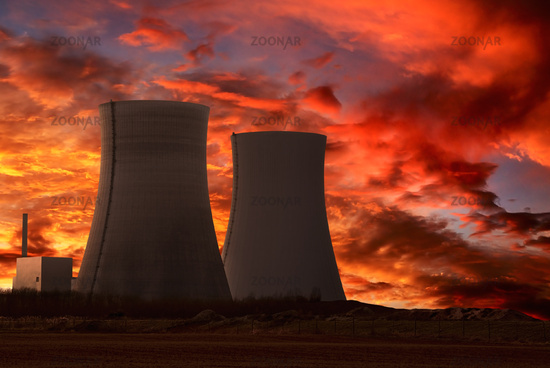Photo Nuclear Power Plant With An Intense Red Sky Image 2398272