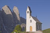 Chapel of San Maurizio on the Gardena Pass