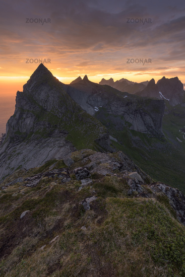 Evening mood in the mountains, Moskenesoeya, Lofoten, Norway