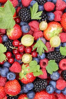 Beeren frische Früchte Erdbeeren Himbeeren Blaubeeren Hintergrund