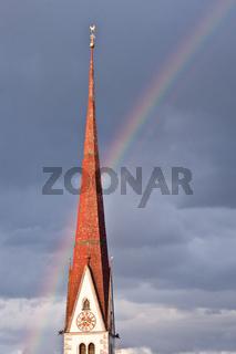 Kirchturm mit Regenbogen Church with rainbow