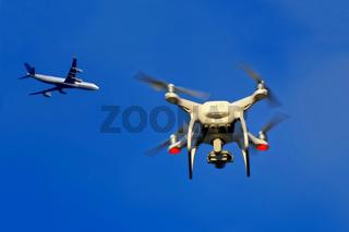 Drohne Flugzeug Beinahe-Unfall