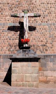 Kreuz - gekleidet