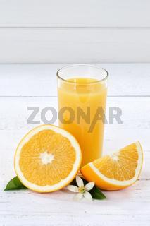 Orangensaft Orangen Saft Orange Textfreiraum Hochformat Copyspace Fruchtsaft Frucht Früchte
