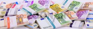 Euro Geldbündel als Panorama