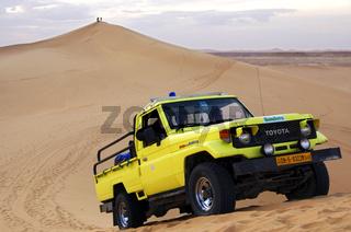 Dune bashing in den Sanddünen der Sahara