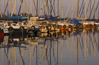 Duemmer, Duemmer See, Niedersachsen, Deutschland, Segelboot auf dem Duemmer See in Niedersachsen, duemmer lake, sailing boat, port, germany