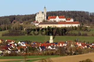 Abtei Neresheim und Dorf von Westen