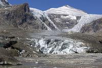 Pasterze Glacier, Mt Johannisberg at back, Kaiser-Franz-Josefs-Höhe, Carinthia, Austria, Europe