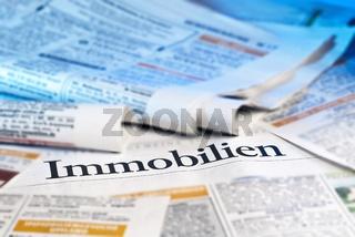 Immobilienanzeigen in der Zeitung