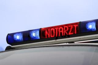 Signalanlage mit Blaulicht und Anzeige NOTARZT auf