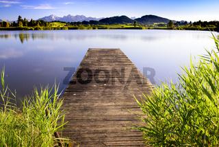 Bootssteg am See im Allgäu
