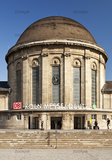 Koeln Messe/Deutz station building, Cologne, North Rhine-Westphalia, Germany, Europe
