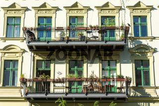 Fassade eines alten Wohngebäudes in Berlin