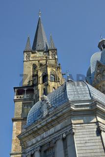 Dom Aachen hochformat.jpg