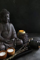 buddah witn candle spa concept