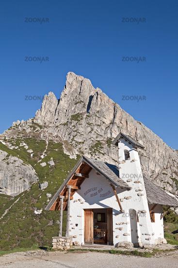 Kapelle auf dem Falzaregopass / mountain chapel