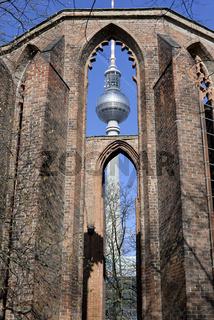 Klosterkirche und Fernsehturm