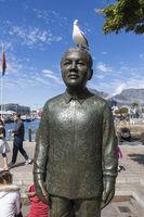 Nelson Mandela, Bronzestatue