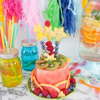 Bunter Kuchen aus frischem Obst