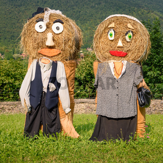 peasantry couple straw dolls