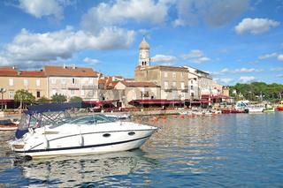 Hafenpromenade in Krk Ort auf der Insel Krk,Adria,Kvarner Bucht,Kroatien