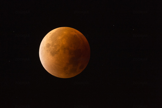05:16 o'clock... Blood moon *28th September 2015*