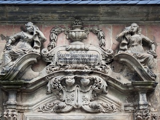 Reich verziertes Mausoleum in der Altstadt von Quedlinburg