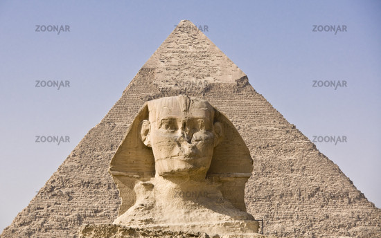 Sphinx und Chephren Pyramide