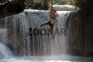 Der Wasserfall Tad Kuang Si bei Luang Prabang in Zentrallaos von Laos in Suedostasien.