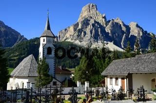 Corvara vor Sassongher, Suedtirol, Dolomiten, Italien