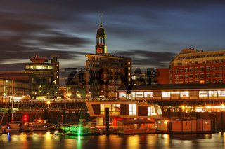 U-Bahnhof Baumwall mit Michel und Gruner und Jahr Verlagsgebaeude am Hamburger Hafen, Deutschland, Subway Station named Baumwall with St Michaelis Church and Gruner and Jahr publishing house at Hamburg Harbour, Germany