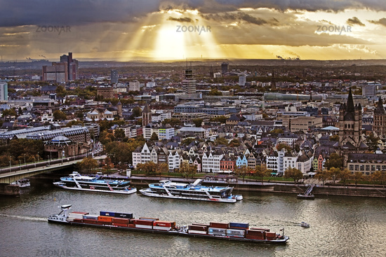cityscape with ships on the river Rhine, Cologne, Rhineland, North Rhine-Westphalia, Germany, Europe