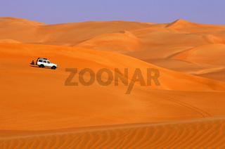 Geländefahrzeug in der Sahara