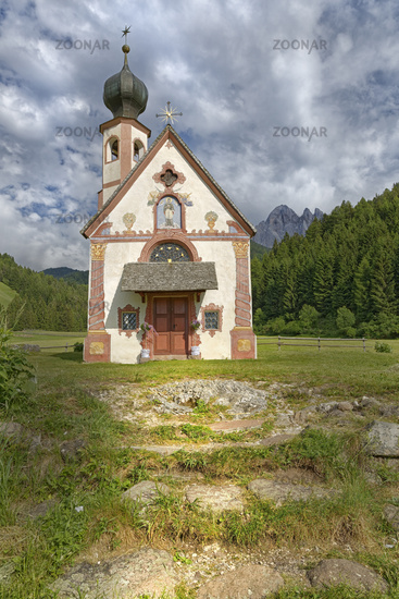 Chapel of St.Johann with Geisler groupe, Villnöß, Province of South Tyrol, Italy, Europe