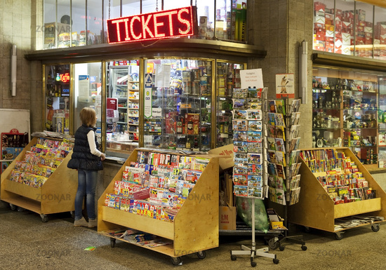 kiosk in the main station, Wuppertal, Bergisches Land, North Rhine-Westphalia, Germany, Europe