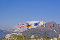 Flag parade on the Falzarego pass