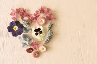 Retro Spring Flower Blossoms, Heart Shape, Copy Space
